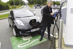 全電動車免汽車進城稅  挪威開特斯拉比Prius還便宜  超划算!