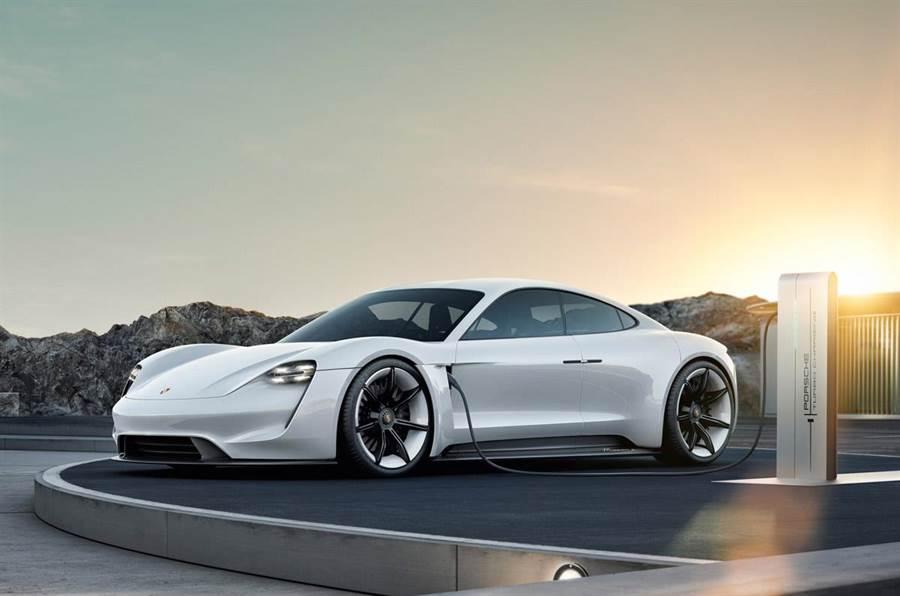 從Mission E到Taycan  保時捷旗下首款純電超跑正名 明年投產